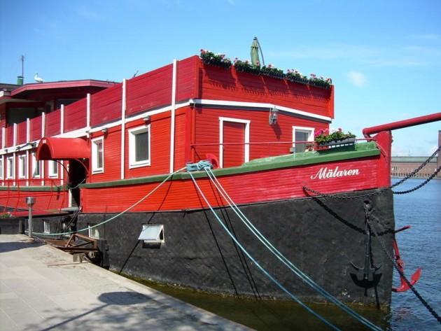 The_Red_Boat_Mälaren_1