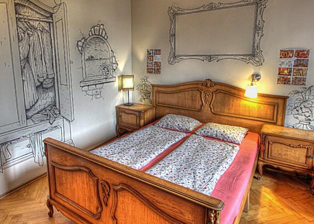 Lavender_Circus_Hostel_3