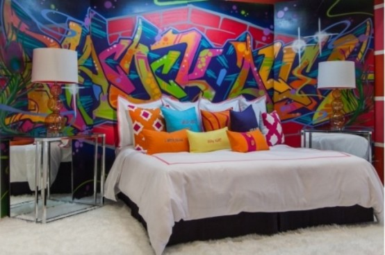 graffiti_in_interior_12