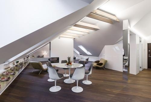 Interior_attic_studio_YCL_1