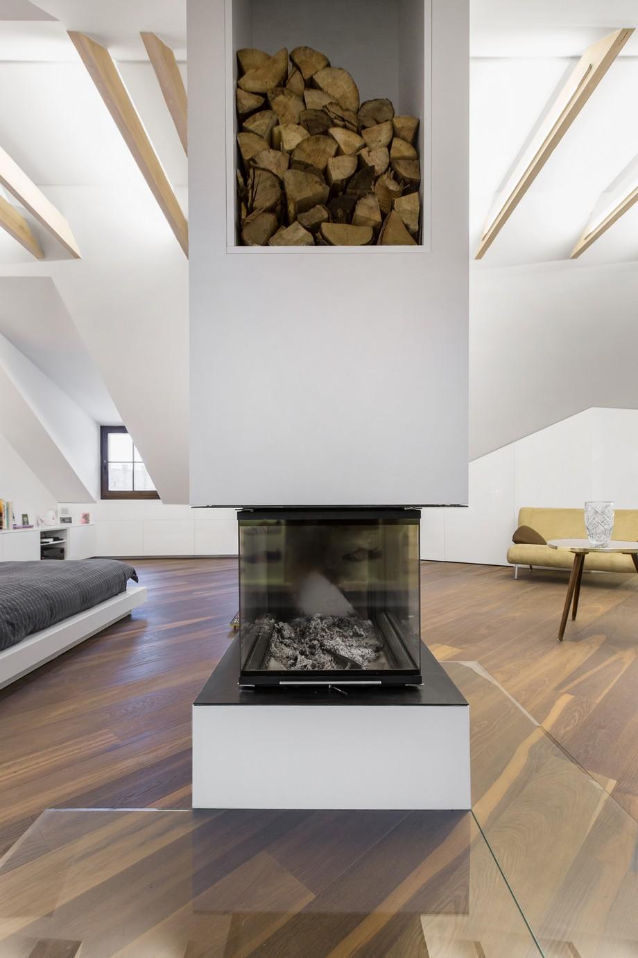 Interior_attic_studio_YCL_3