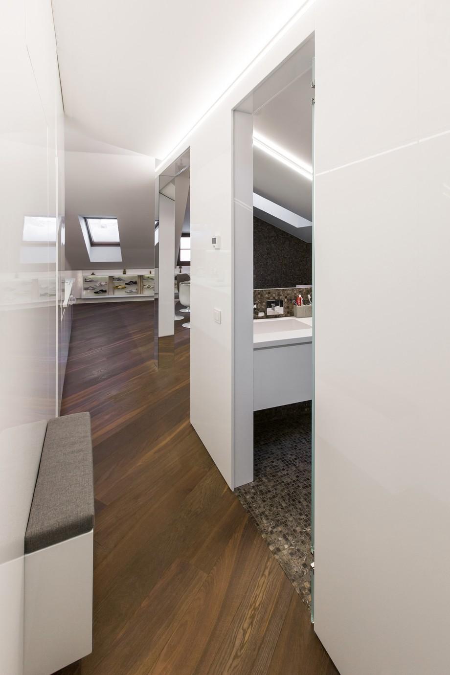 Interior_attic_studio_YCL_9