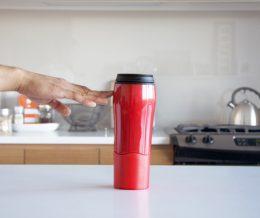 «Mighty Mug» — кружка-непроливайка, которая никогда не падает