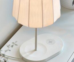 «IKEA» выпустила серию мебели и светильников, способных заряжать мобильные устройства без проводов