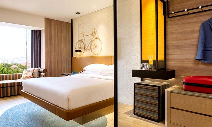 Спальня в отеле в современном стиле
