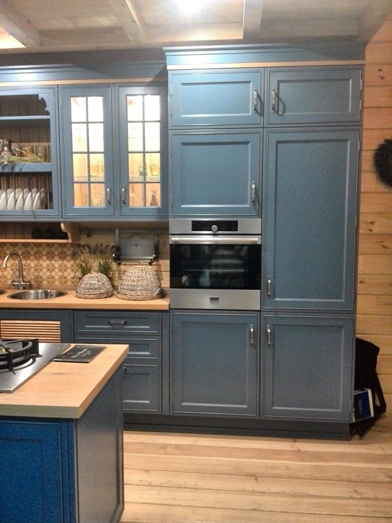 """Silver Home - студия кухонь, созданная на базе Московской мебельной фабрики """"СПУТНИК стиль"""""""