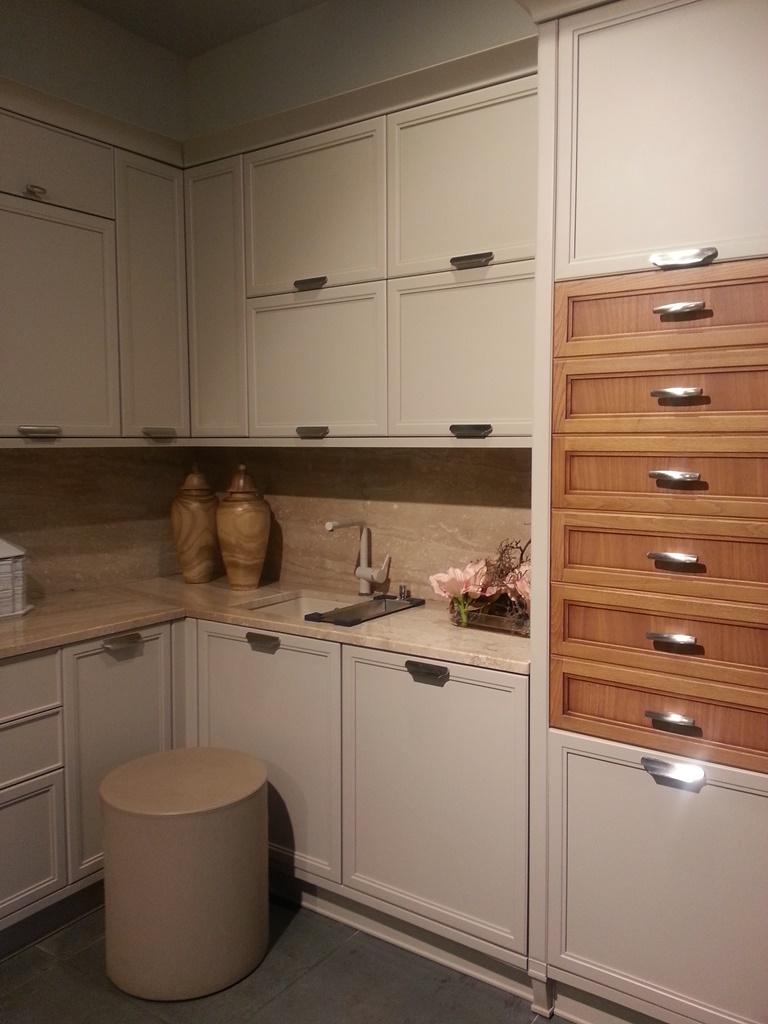 Кухня в экспозиции салона ТРИО-Интерьер