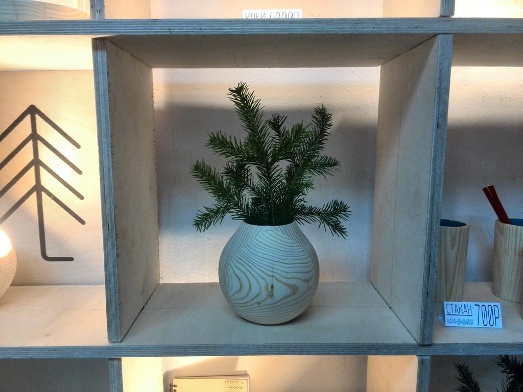 """Пример деревянной вазы ручной работы от компании: """"Хвоя"""""""