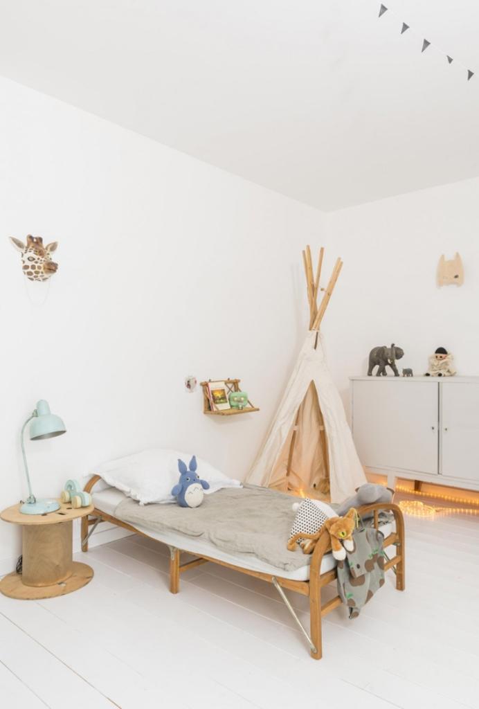 Детская комната из простых материалов в скандинавском стиле