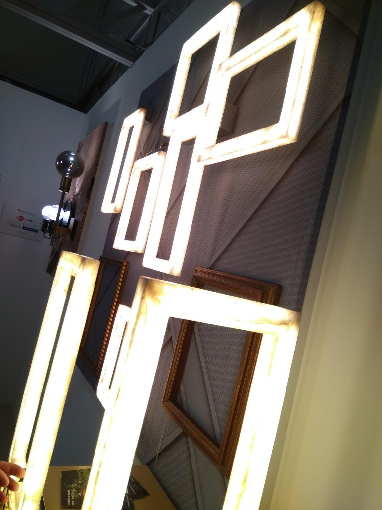 Настольные светильники из оникса