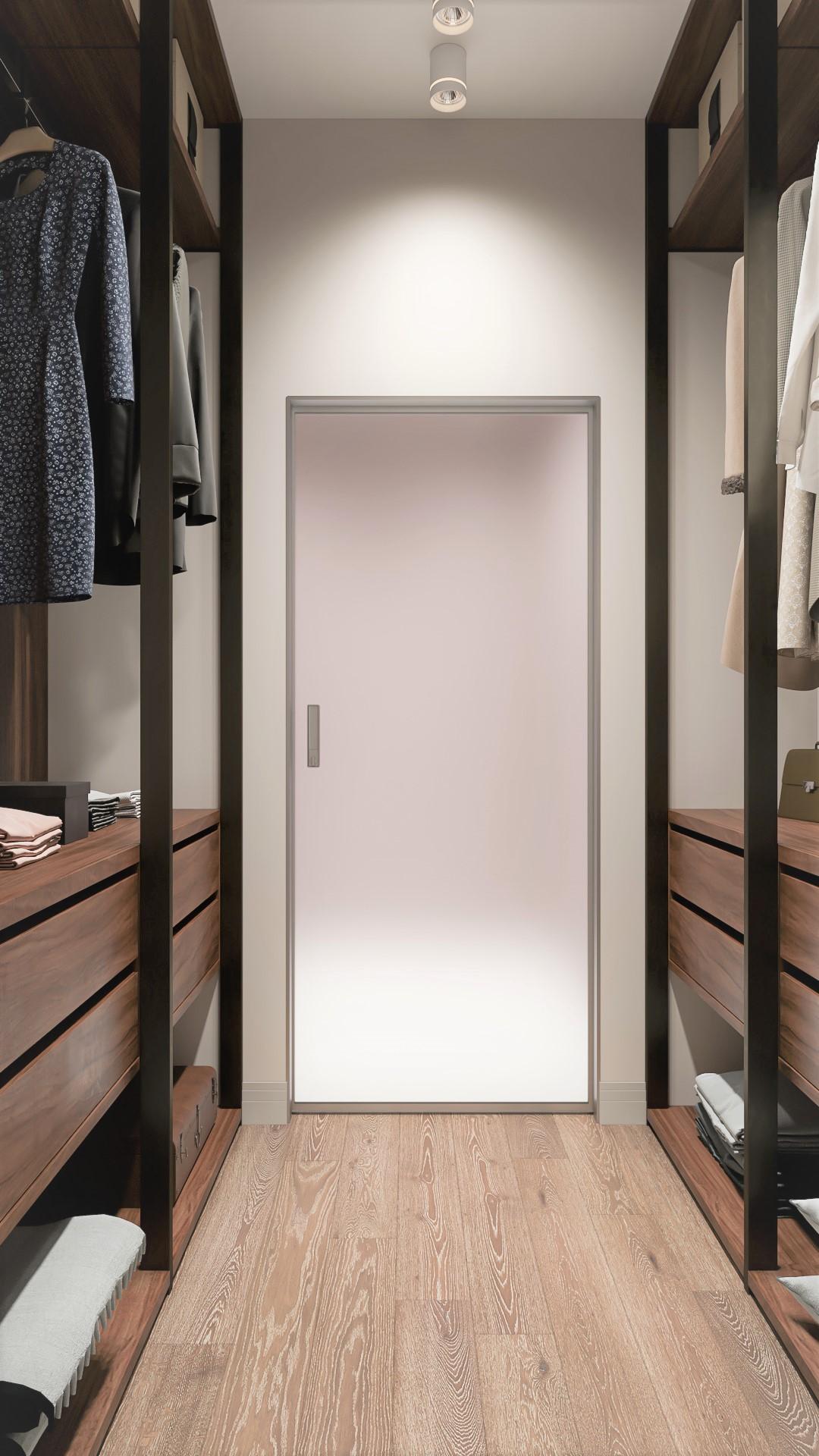 Проходная гардеробная при входе в ванную комнату